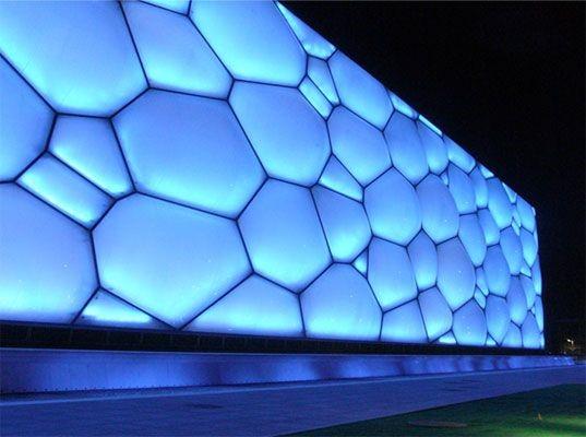 제한된 모듈로 다양해 보이게 디자인한 건축 Beijing Swimming Pool
